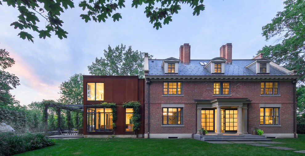 Gorgeous-Cambridge-House-Designed-By-Stern-McCafferty-13