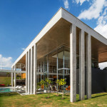 The-Botucatu-House-Stands-As-An-Architectural-Masterpiece-2
