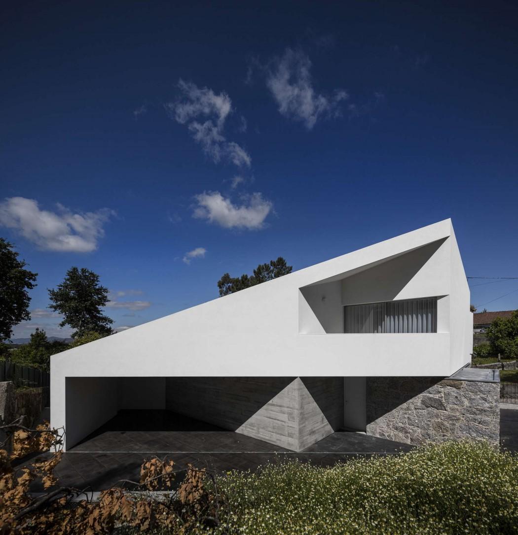 006-tade-house-rui-vieira-oliveira-vasco-manuel-fernades-1050x1086