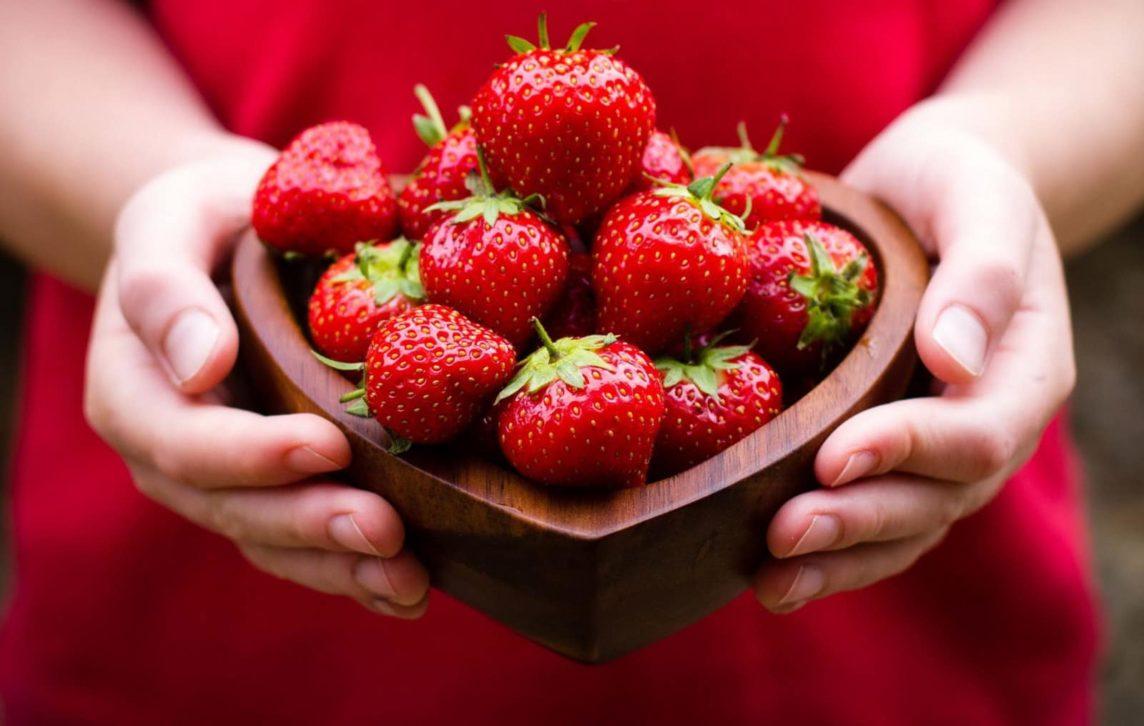 Тепличные плоды и ягоды